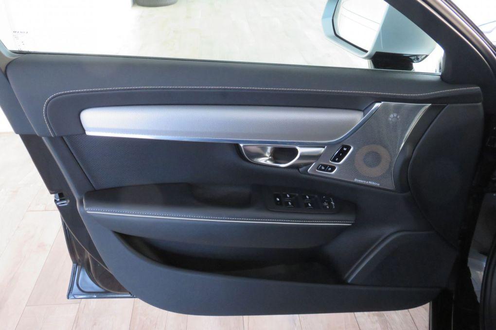 VOLVO S90 D4