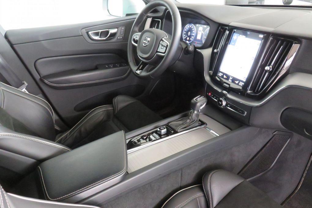 VOLVO XC60 NEW T4
