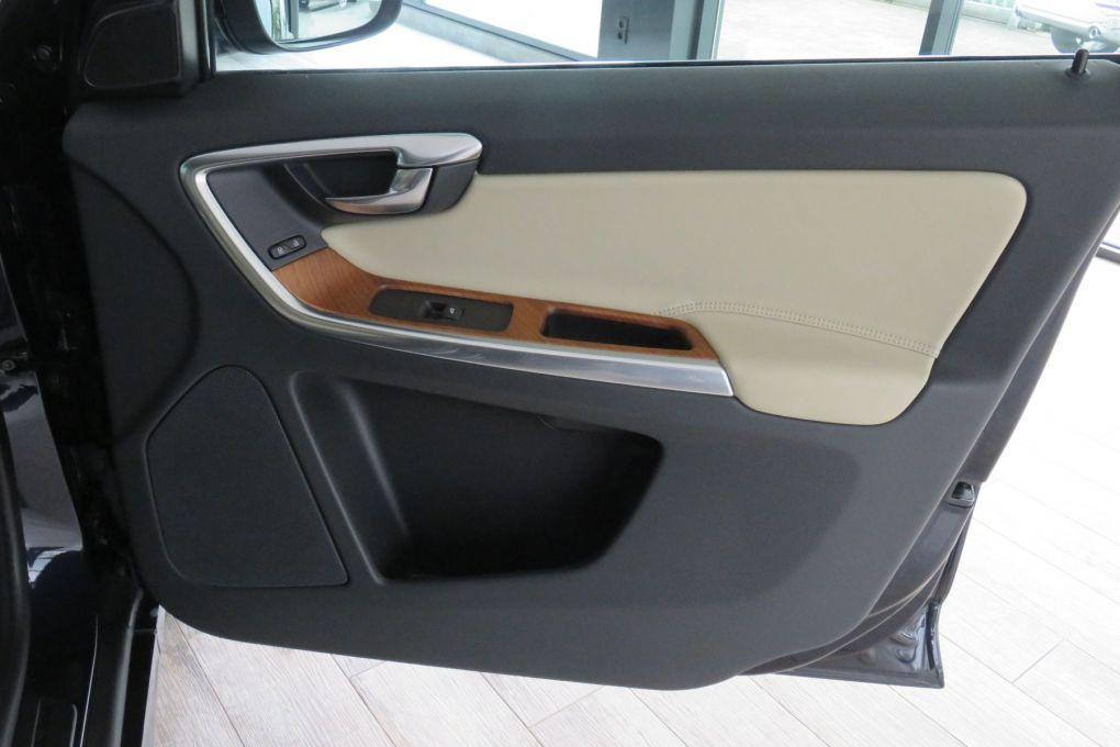 VOLVO XC60 D3