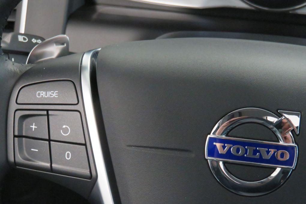 VOLVO XC60 D4 AWD