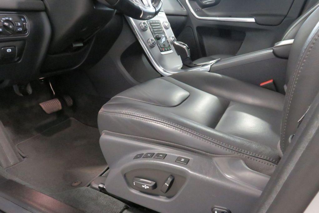 VOLVO XC60 D4