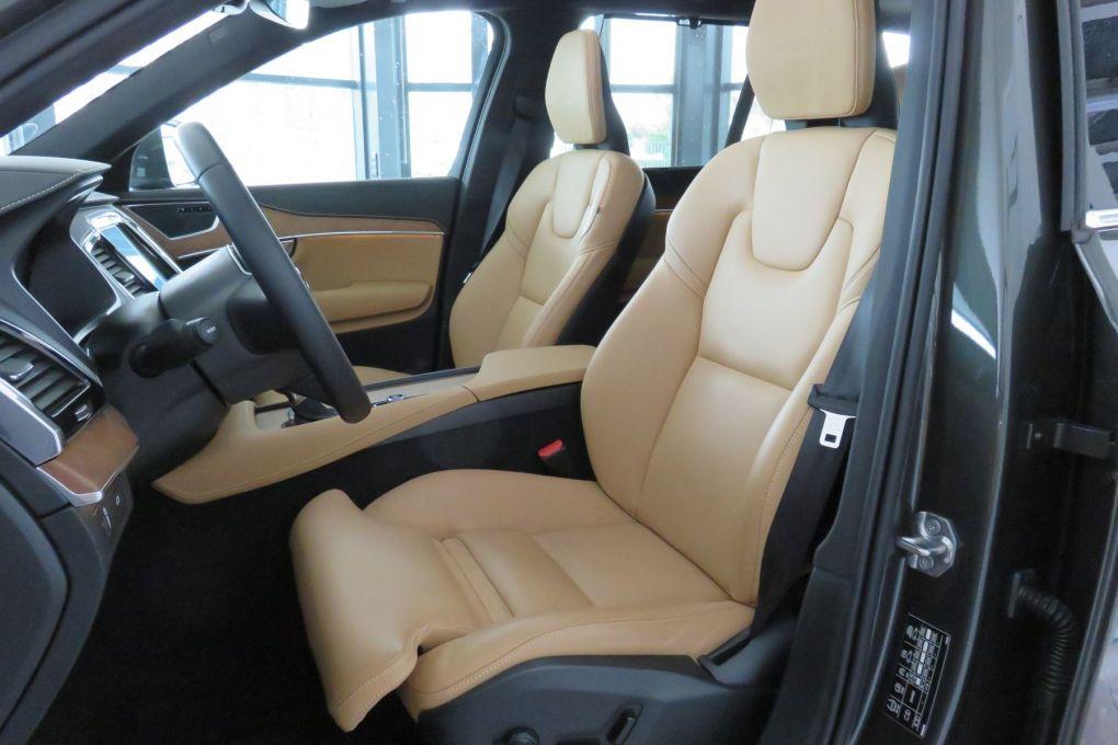 VOLVO XC90 T6 AWD